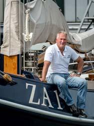 Schipper Erik Hermans op de ZA1 de Jager